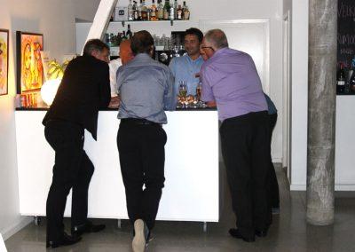 Herre i bar